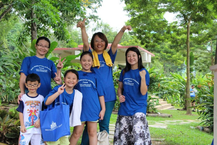 5. Lydia Foong Family & Friends